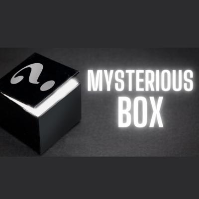 MYSTERIOUS BOX - 5 ITENS (+1 BONUS)